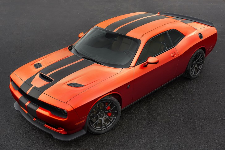 2016-dodge-charger-challenger-srt-mango-orange-002-1