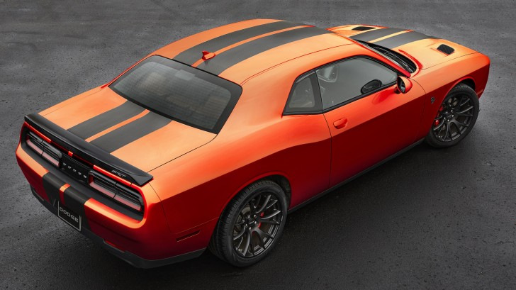 2016-dodge-charger-challenger-srt-mango-orange-003-1