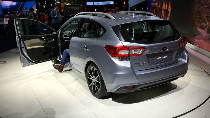 2017-Subaru-Impreza-hatch-and-sedan-NY-auto-show-13