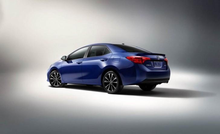 2017-Toyota-Corolla-1101-876x535