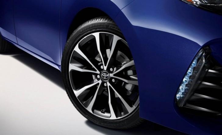 2017-Toyota-Corolla-1111-876x535