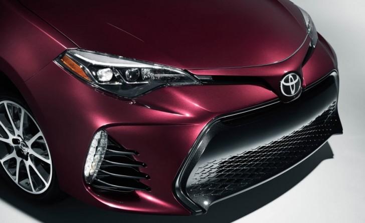2017-Toyota-Corolla-50th-104-876x535