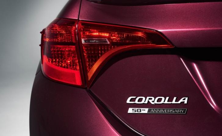 2017-Toyota-Corolla-50th-108-876x535