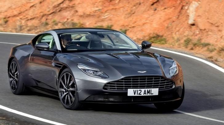 Aston Martin DB11 2017 02