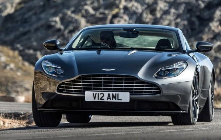 Aston Martin DB11 2017 04