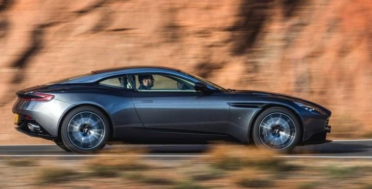 Aston Martin DB11 2017 05