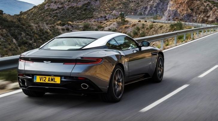 Aston Martin DB11 2017 06