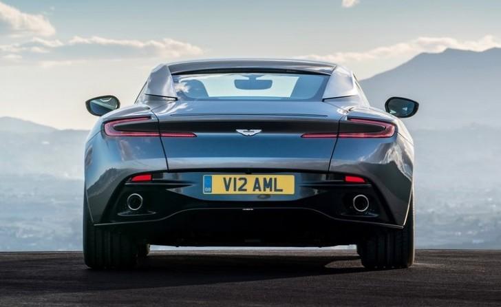 Aston Martin DB11 2017 07