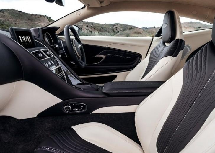 Aston Martin DB11 2017 09