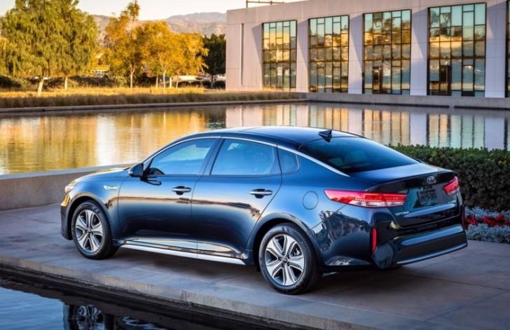 Kia Optima Hybrid 2017 05