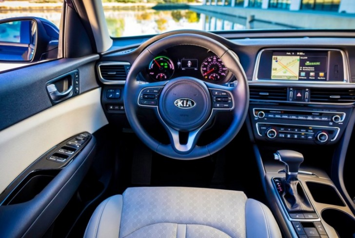 Kia Optima Hybrid 2017 06
