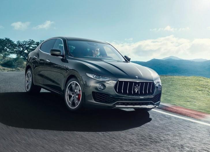 Maserati Levante 2017 01