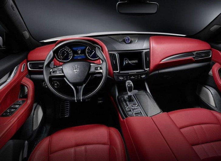 Maserati Levante 2017 09