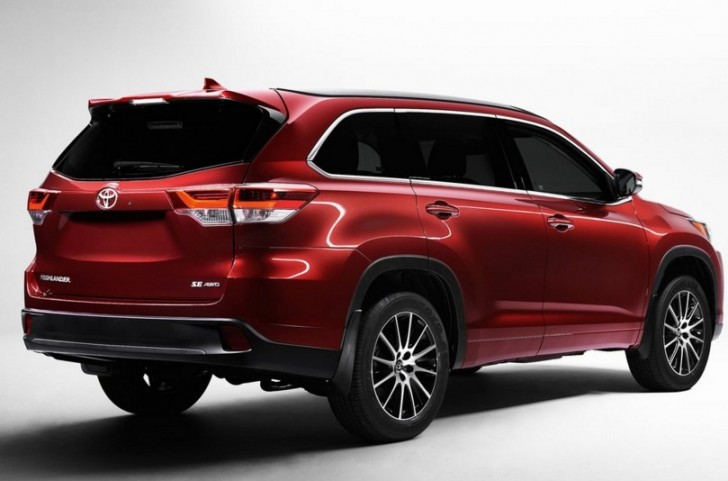 Toyota Highlander 2017 02