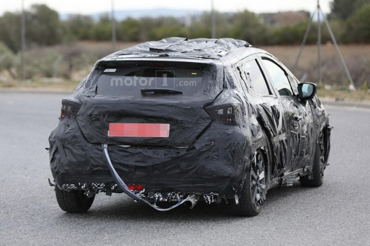 nissan march 2017 spy 13
