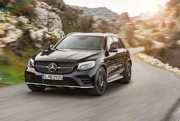 Mercedes-AMG GLC 43 4MATIC 2017 01