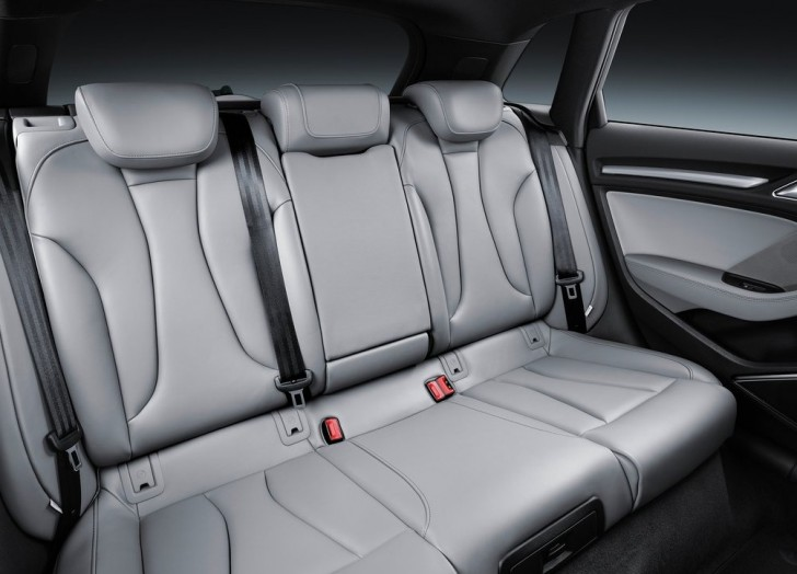 Audi A3 Sportback (2017)1
