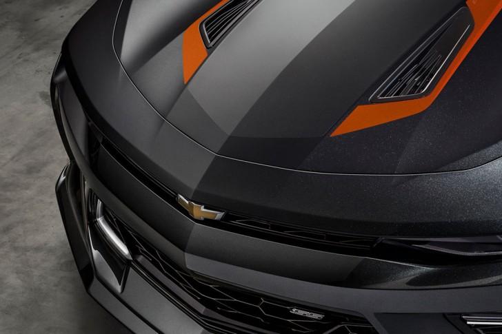 Chevrolet-Camaro-50th-Anniversary-03