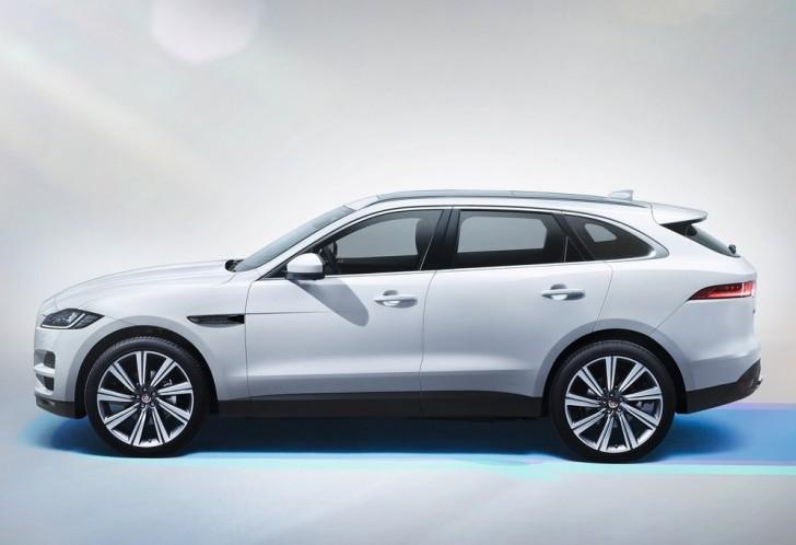 Jaguar F-Pace (2017)2