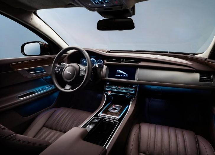 Jaguar XFL (2017)7