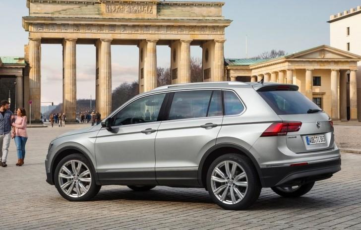 Volkswagen Tiguan (2017)3