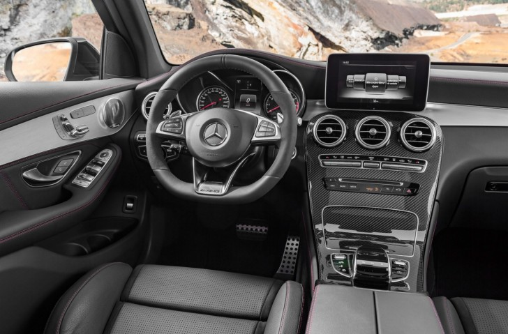 Mercedes-AMG GLC 43 4MATIC 2017 08