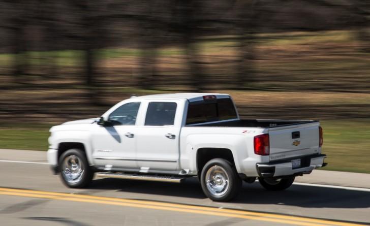 2016-Chevrolet-Silverado-1500-Z71-LTZ-1071-876x535