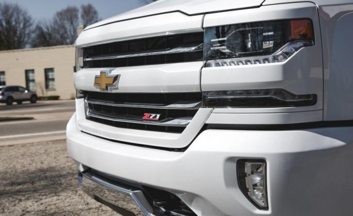 2016-Chevrolet-Silverado-1500-Z71-LTZ-1131-876x535