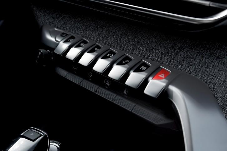 2016-Peugeot3008-31