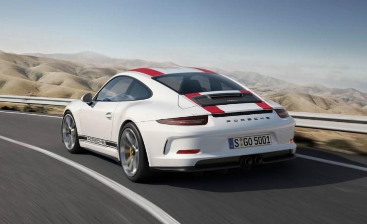 2017-Porsche-911-R-103-876x535