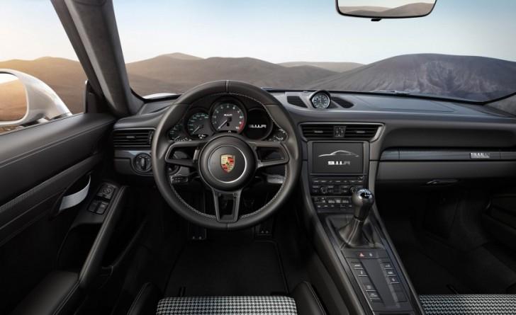 2017-Porsche-911-R-111-876x535