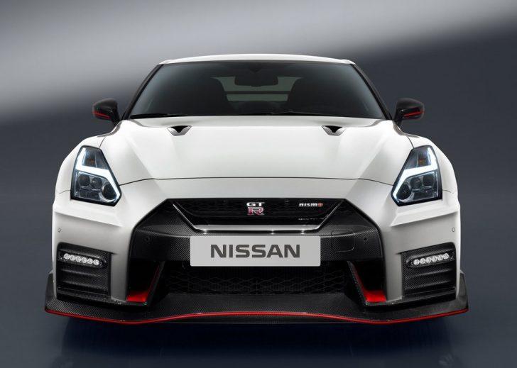 Nissan GT-R Nismo (2017)2