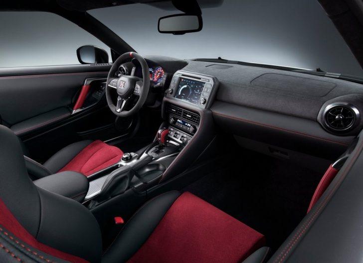 Nissan GT-R Nismo (2017)7