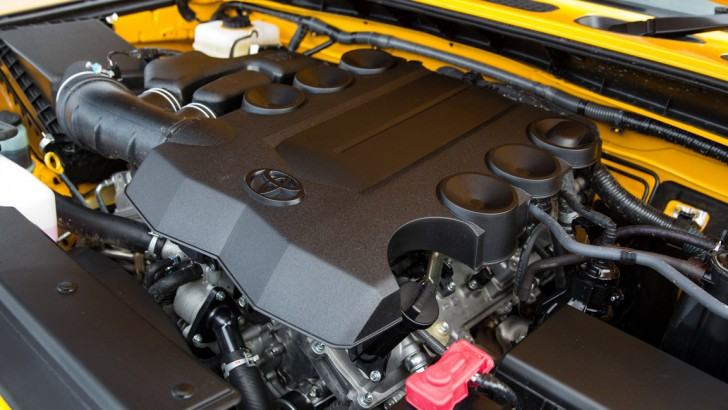 Toyota FJ Cruiser Engine