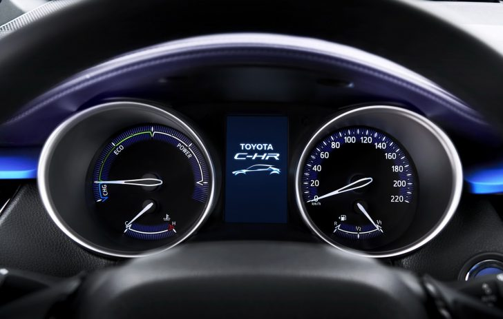 2017-Toyota-C-HR-5