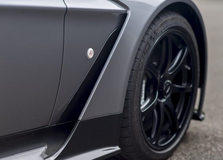 Aston Martin Vantage GT12 Roadster (2016)6