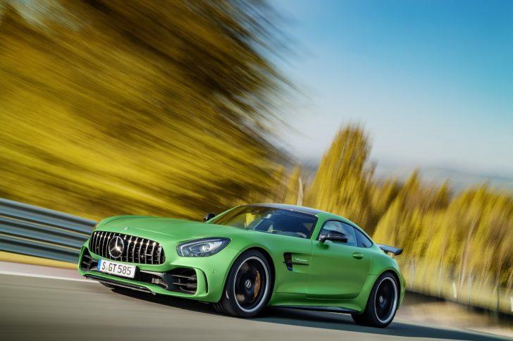 Mercedes-AMG-GT-R-1