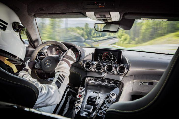 Mercedes-AMG-GT-R-18