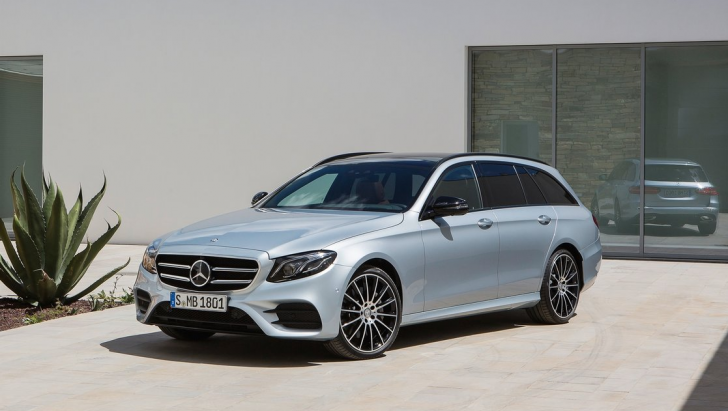 Mercedes-Benz E-Class Estate (2017)5
