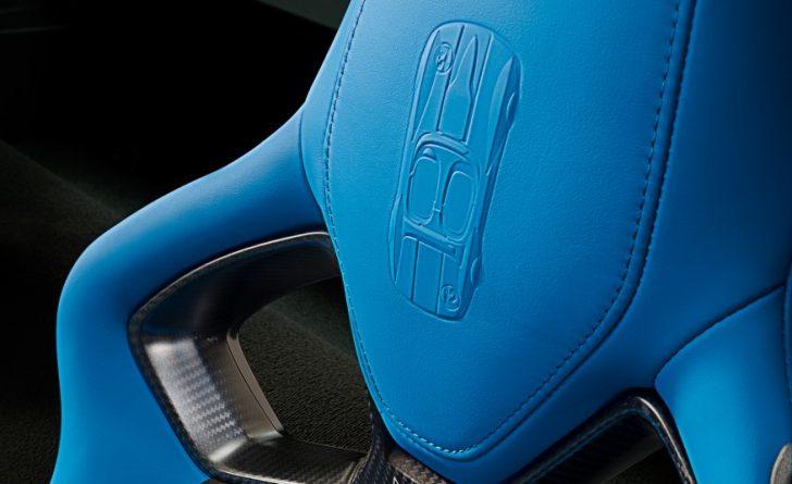 2017-Chevrolet-Corvette-Grand-Sport-208-876x535