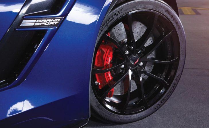 2017-Chevrolet-Corvette-Grand-Sport-308-876x535