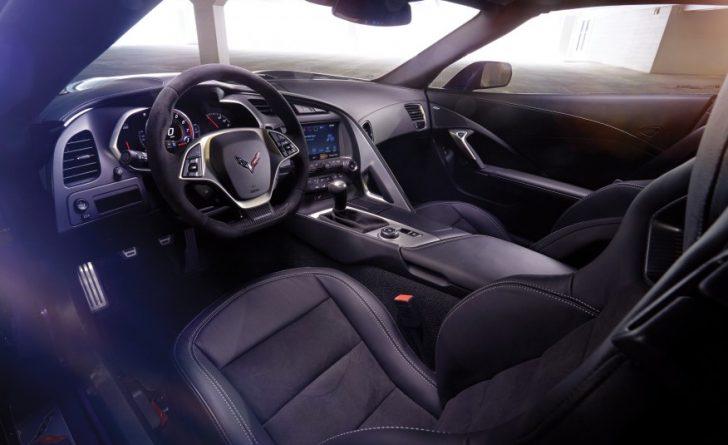 2017-Chevrolet-Corvette-Grand-Sport-309-876x535