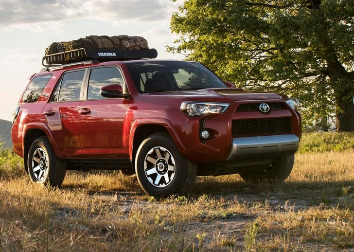 2017 Toyota 4Runner TRD Off Road Premium front three quarter