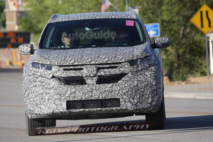 2018-honda-cr-v-spy-photos-03
