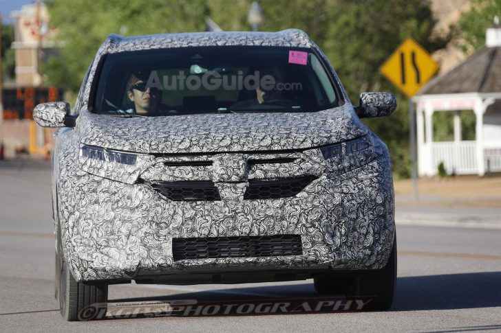 2018-honda-cr-v-spy-photos-04