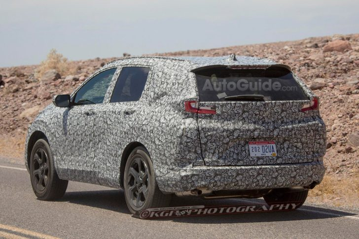 2018-honda-cr-v-spy-photos-09