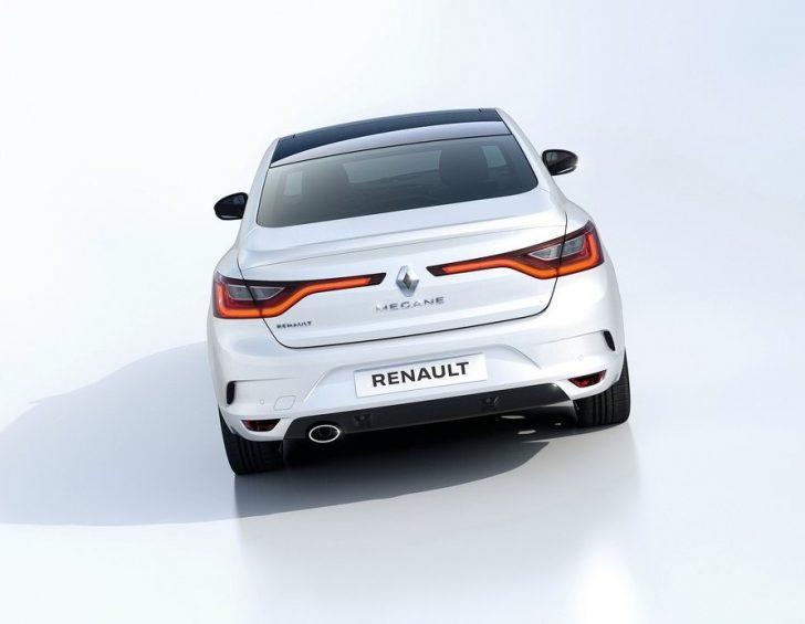 Renault Megane Sedan (2017)6