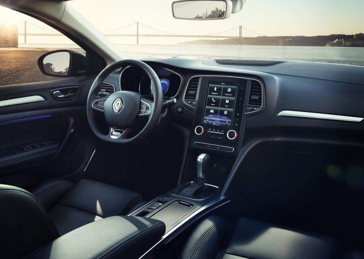 Renault Megane Sedan (2017)8