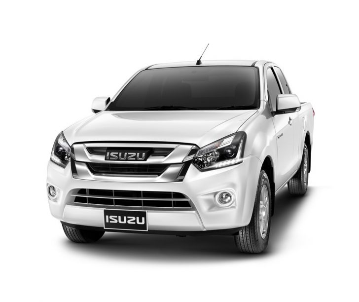 2016-Isuzu-D-Max-facelift-front-launched-in-Thailand