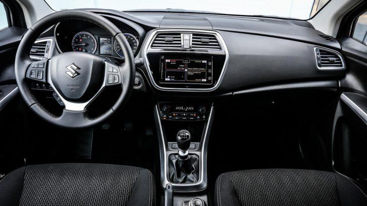 2017-Maruti-Suzuki-S-Cross-facelift-dashboard-unveiled